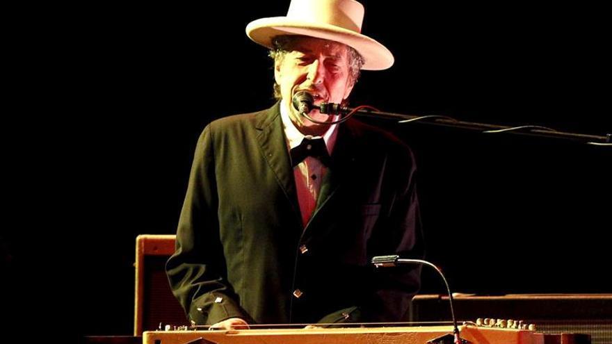 Bob Dylan hace honor a su estatus de leyenda, en un recital sin concesiones
