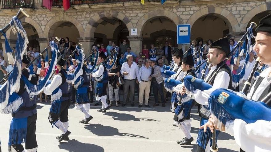 """Revilla aboga por mantener la """"unión"""" entre cántabros y asturianos"""