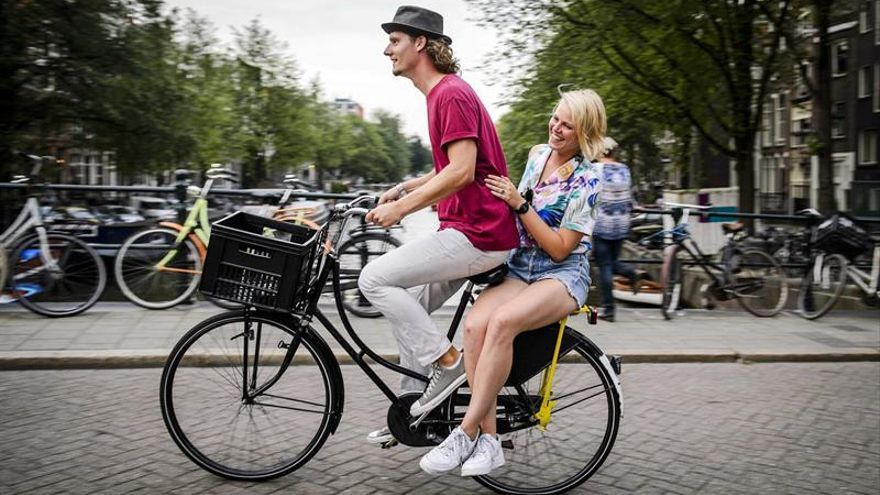 Imagen de una calle de Ámsterdam.