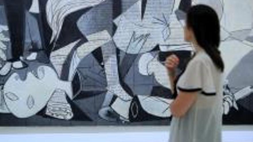 """González-Sinde (Reina Sofía): """"un museo no es una tienda"""""""