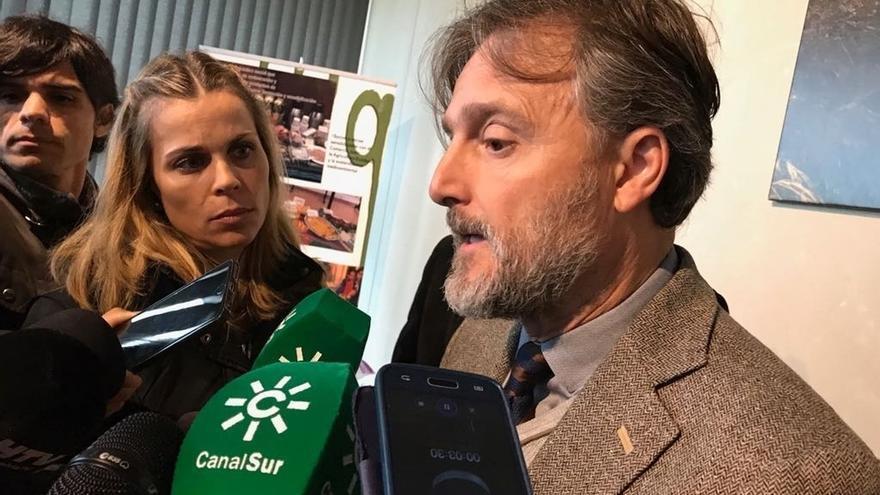 """La Junta contacta con el Ministerio ante la decisión del TS sobre el Algarrobico, que """"ralentiza"""" el derribo"""