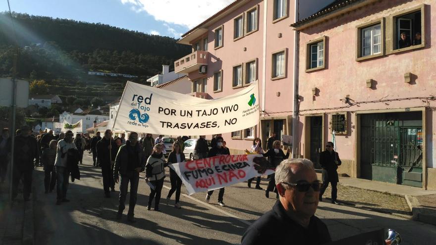 protesta por el Tajo en Portugal