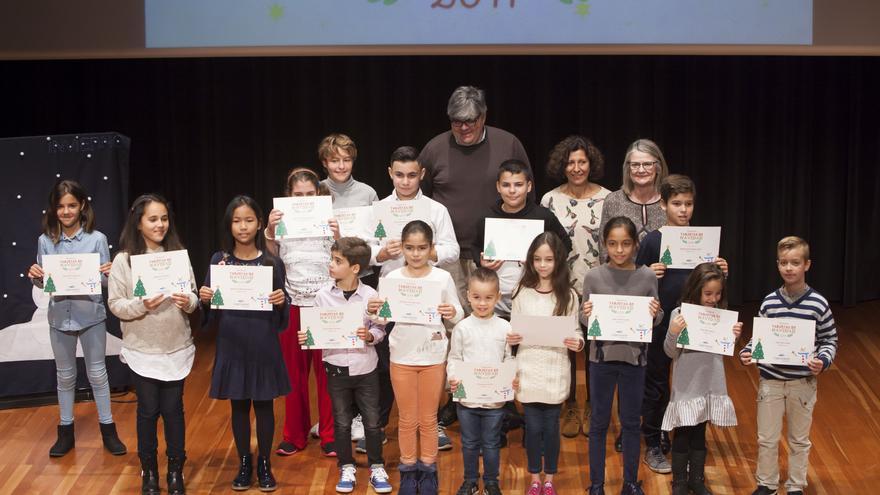 En la imagen, los niños y niñas premiados en el concurso.