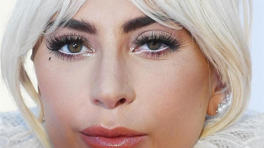 Lady Gaga, Kardashian, Del Toro y otros famosos, evacuados por fuego Malibú