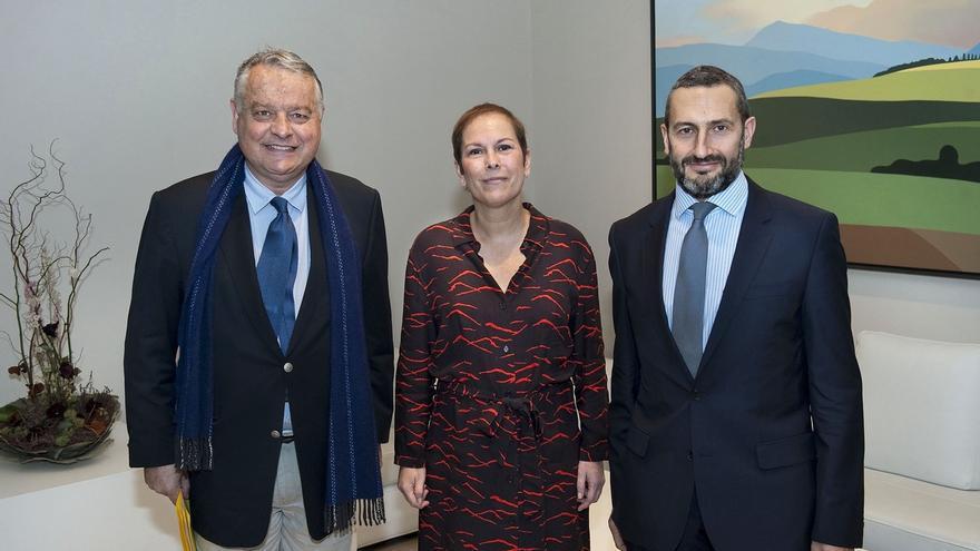 Barkos y el cónsul francés Fabrice Delloye analizan la entrada de Navarra en la eurorregión