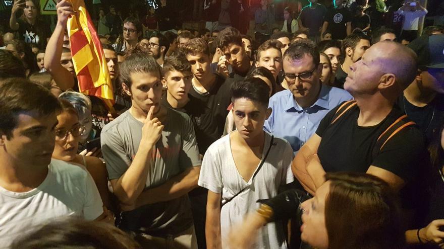 La alcaldesa de Calella, en la protesta para echar a la policia