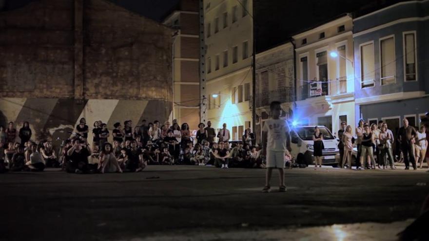 Representación al aire libre durante el festival