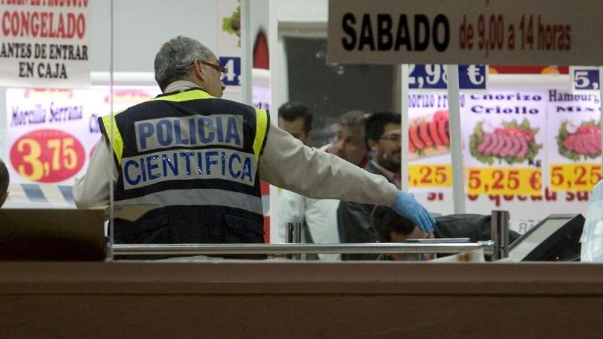 Detenidos cinco atracadores de supermercados y locales de apuestas en Madrid
