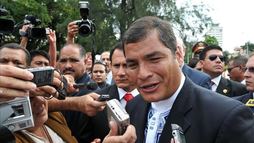 Correa felicita a Pablo Iglesias y ve interesante el resultado electoral de España