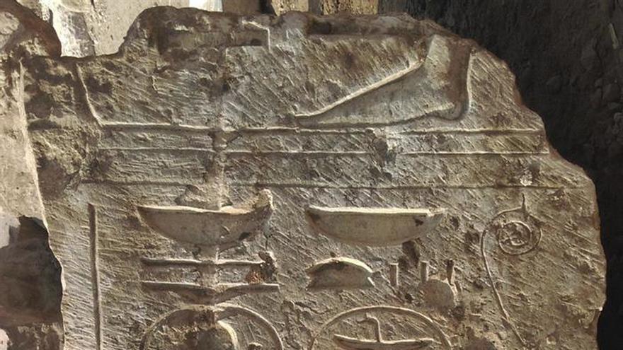 Descubren nuevas evidencias de un templo de Ramses II en un barrio de El Cairo