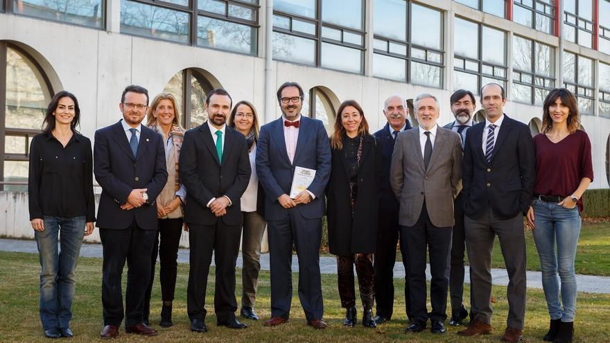 Un libro de veinte profesores de la UPNA permite comprender la obra de Cervantes desde una perspectiva jurídica