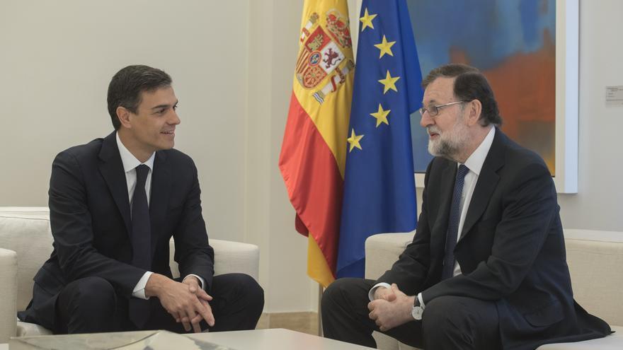Mariano Rajoy y Pedro Sánchez en su reunión en Moncloa.