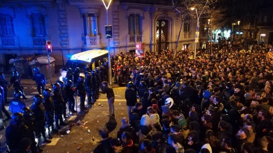 Protestas en Barcelona contra la detención de Carles Puigdemont