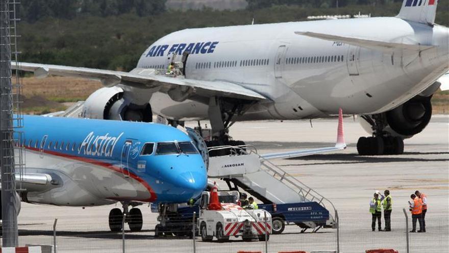 Chile enviará aviones militares para abastecer zonas afectadas por paro aéreo