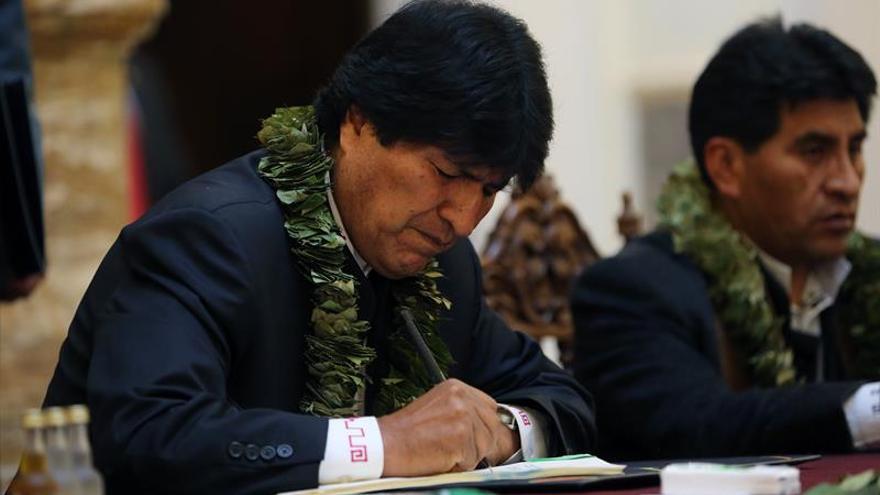 Evo Morales acusa a Chile de agresión por detener a 2 militares y 7 aduaneros