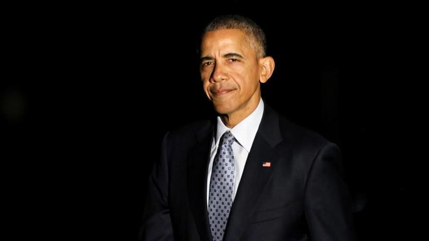 Un Obama nostálgico recuerda sus inicios en su último mitin en solitario