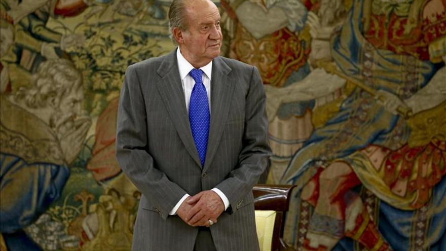 El Rey comunicó en marzo a Rajoy y Rubalcaba su renuncia al trono
