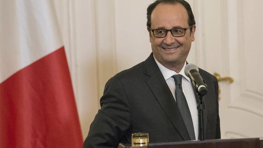 """Hollande habla de un """"martirio de civiles"""" en Alepo"""