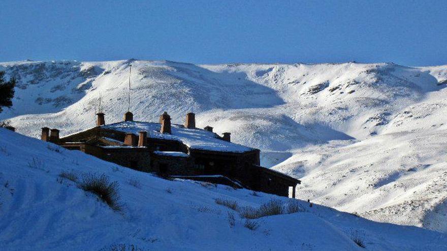 Los refugios de montaña de Sierra Nevada, siempre equipados de la mejor forma posible