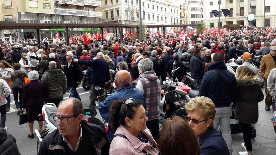 Los pensionistas se han manifestado por las calles de Alicante