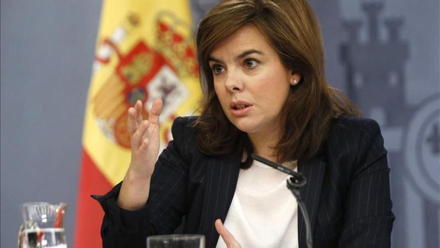 Sáenz de Santamaría dice desconocer si hay más vídeos sobre las muertes en Ceuta.