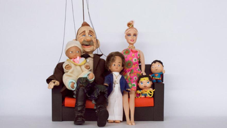 La Familia 'títere' de Paloma Olmos