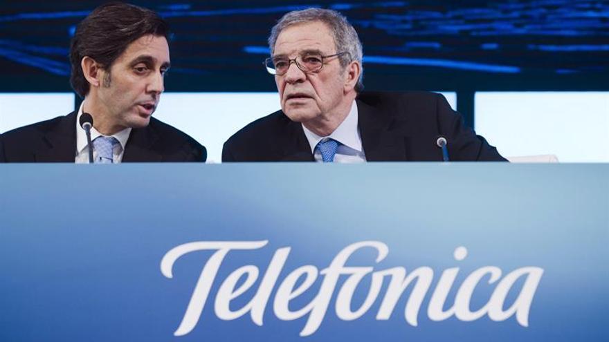 El actual presidente de Telefónica, José María Álvarez-Pallete, y el anterior César Alierta en una imagen de archivo.