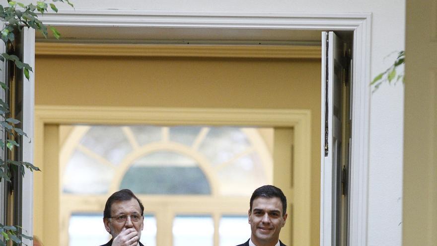 El bipartidismo PP-PSOE se enfrenta este domingo a su primer examen en unas municipales