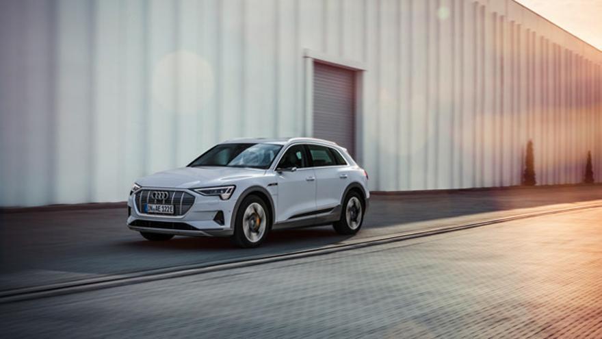 Audi acaba de anunciar el lanzamiento de una versión con menor potencia y autonomía del e-tron.