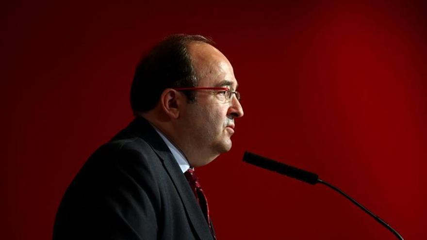 Iceta avisa de que si el PSOE gira a la abstención, el PSC decidirá qué hace