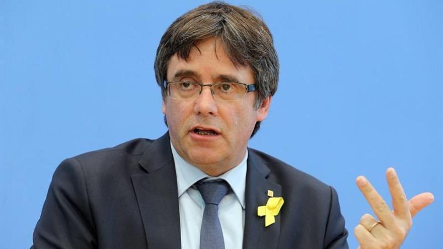 """Puigdemont apela a la """"unidad"""" del independentismo en la presentación del Consell per la República en Bruselas"""