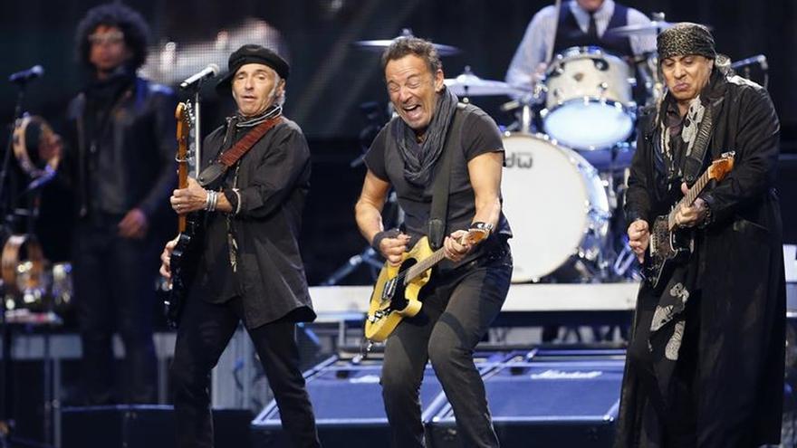 Springsteen cosecha un triunfo seguro en una San Sebastián rendida a sus pies