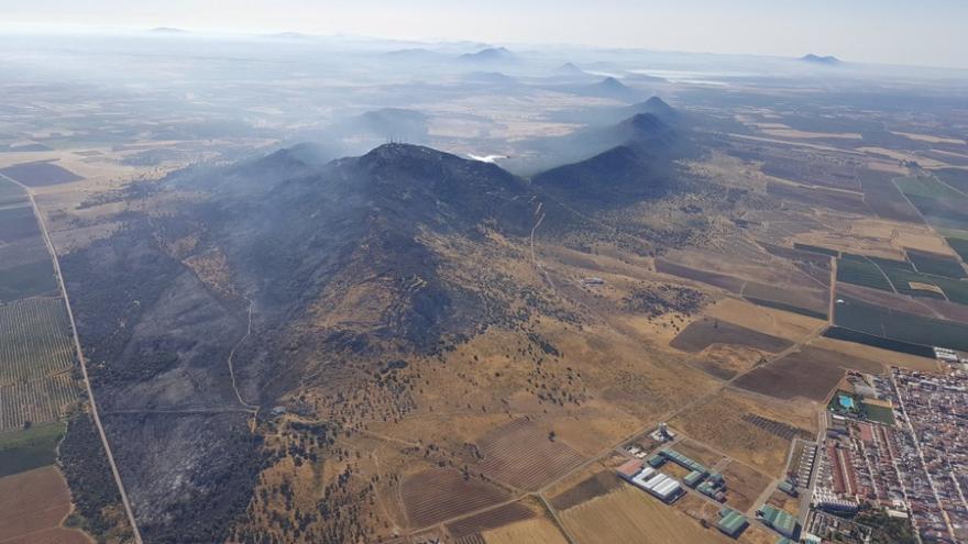 Incendio de la Sierra de Arroyo / @Junta_Agricultu