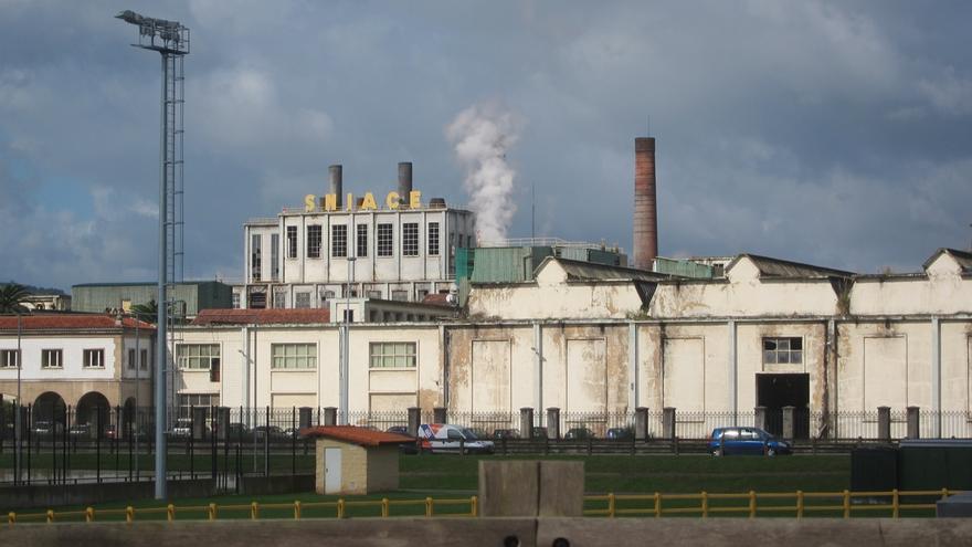 El Gobierno apoyaría que el terreno sobrante de Sniace se destine a nuevas industrias