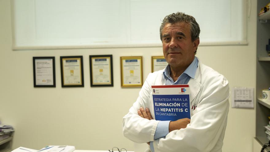 Javier Crespo, jefe del Servicio de Digestivo del Hospital Valdecilla.