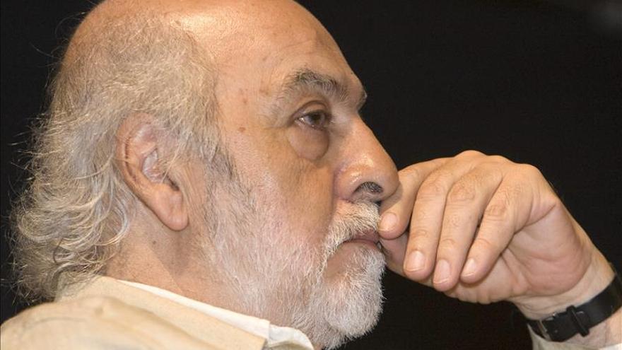 Littin: empecé a escribir una película sobre Allende el mismo día del golpe