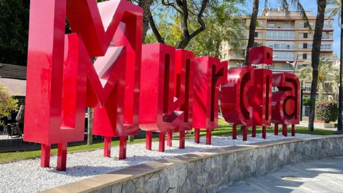 Cartel de Murcia en la plaza Redonda de la capital murciana