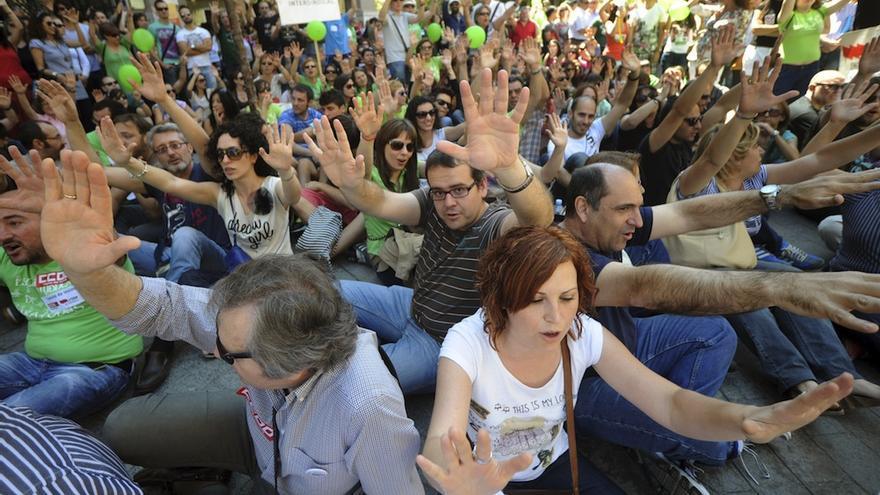 Protesta contra los recortes educativos en Murcia, en mayo. / Efe / Israel Sánchez