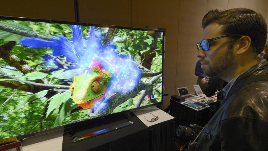 Panasonic, LG y Sharp anuncian televisores más grandes y más inteligentes