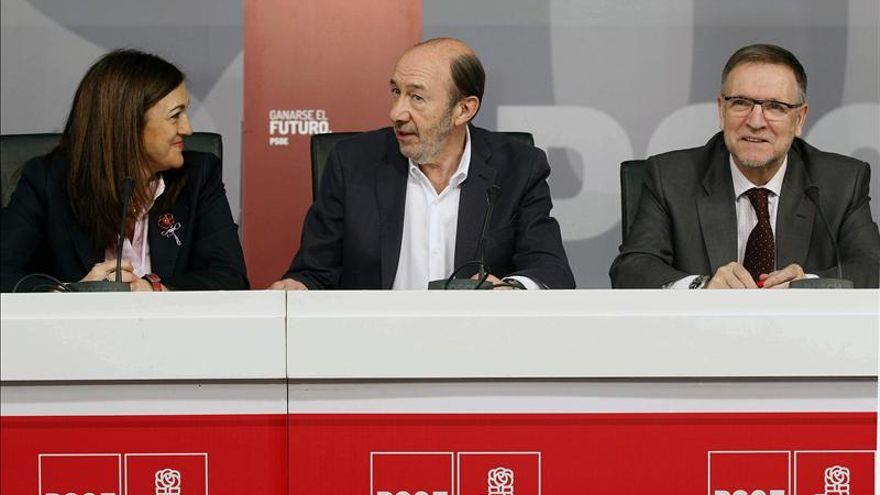 El PSOE propone utilizar 30.000 millones del rescate bancario para créditos