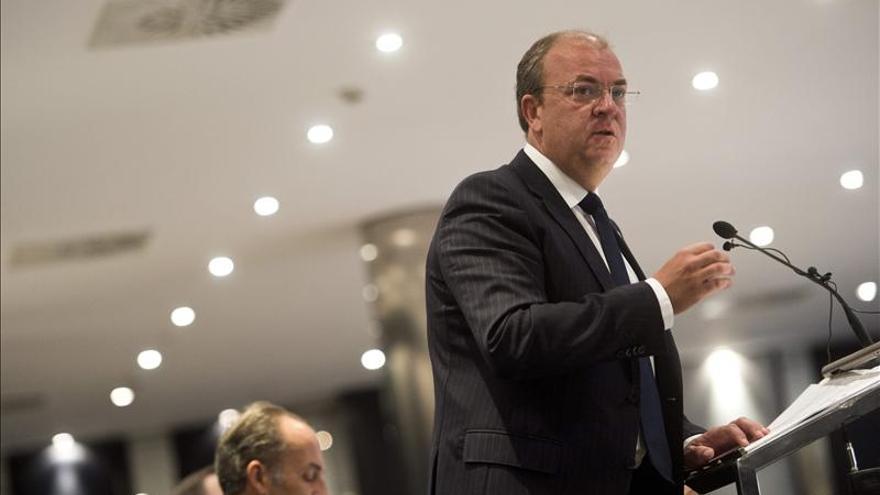 Monago critica el modelo de Valencia al ir contra el principio de solidaridad