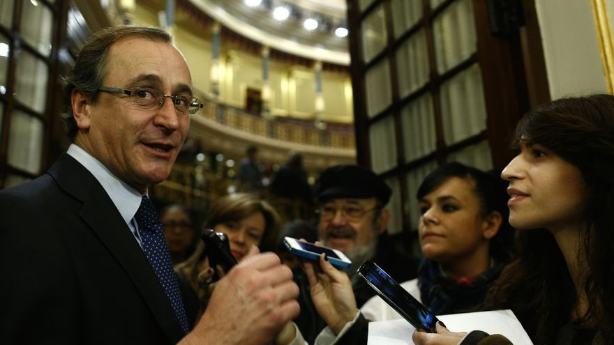 """El Gobierno celebra la rebaja de sueldos de la Familia Real, un """"ejemplo"""" de transparencia y austeridad"""
