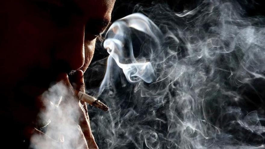Expertos alertan de la estrategia de la industria tabaquera para retener al consumidor