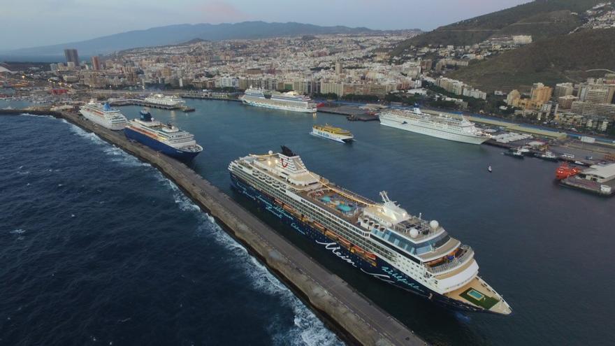 Los seis cruceros que han arribado este viernes a Santa Cruz