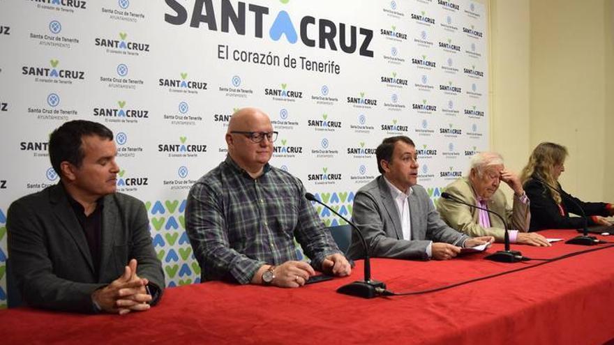 De izquierda a derecha, Pedro Millán, Carlos Correa, José Manuel Bermúdez, Wolfredo Wildpret y Victoria Eugenia Martín
