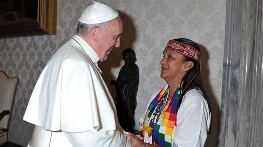 Milagro Sala y el papa Francisco.