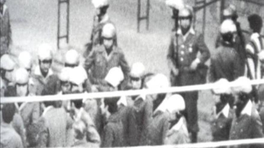 Imágenes de la policía durante el 3 de marzo de 1976