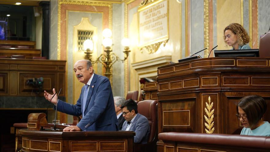 José María Mazón (PRC) interviene en la tribuna del Congreso de los Diputados.