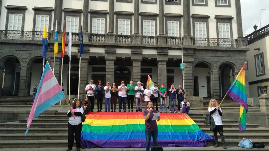 Denuncia de Gamá frente a las Casas Consistoriales de Las Palmas de Gran Canaria.