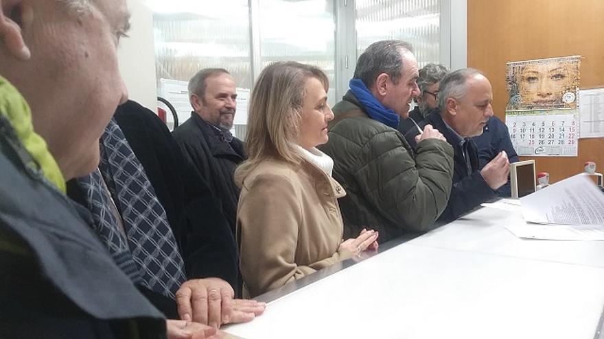 Momento del registro del requerimiento, en la Delegación del Gobierno de la Junta en Sevilla